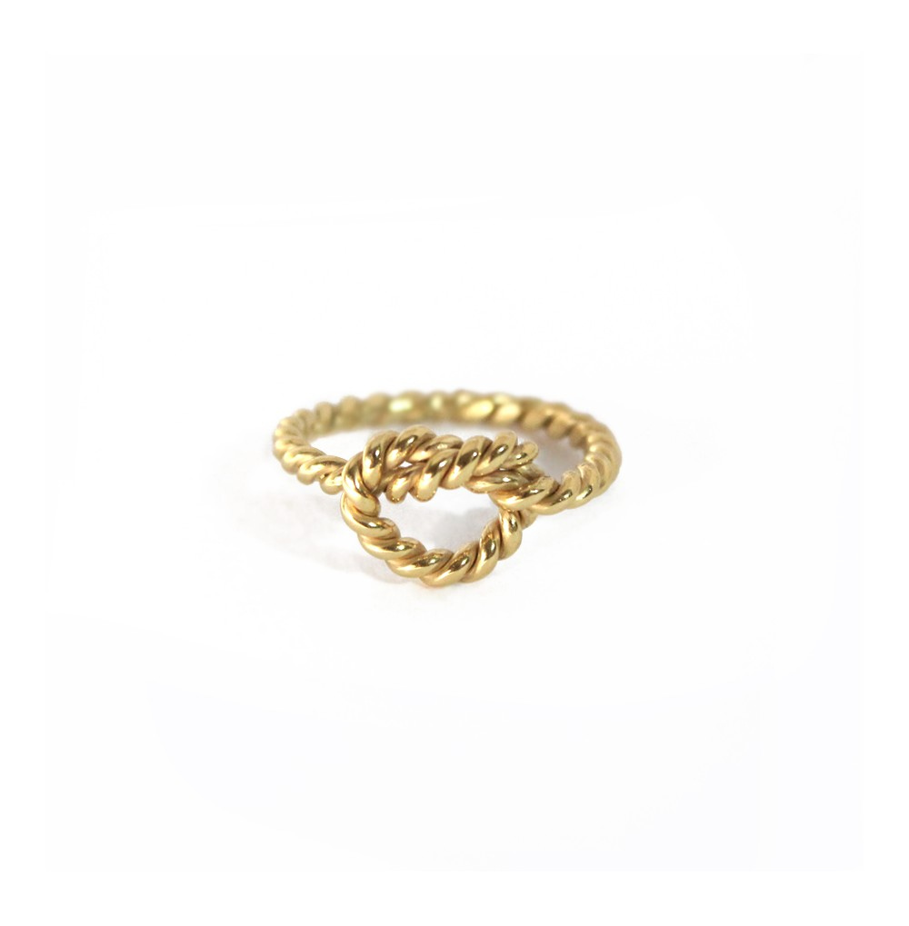 Intertwined knot - Ring